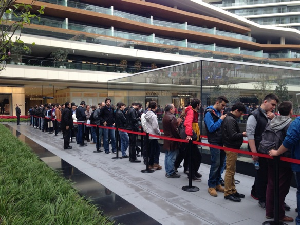 Sihirli elma apple store zorlu center aciliyor 5151