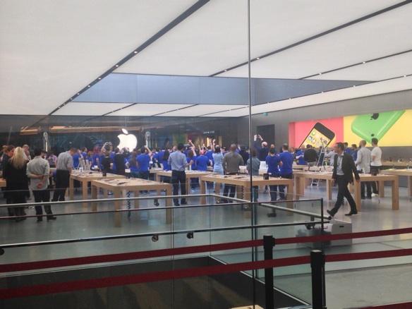 Sihirli elma apple store zorlu center aciliyor 5169