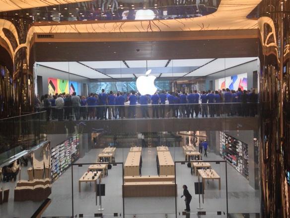 Sihirli elma apple store zorlu center aciliyor 5213