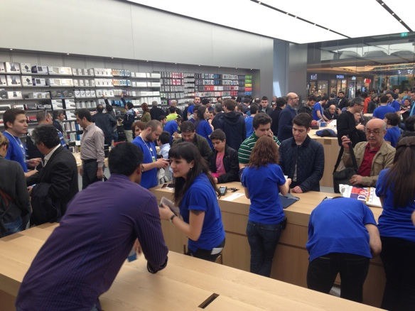 Sihirli elma apple store zorlu center aciliyor 5251