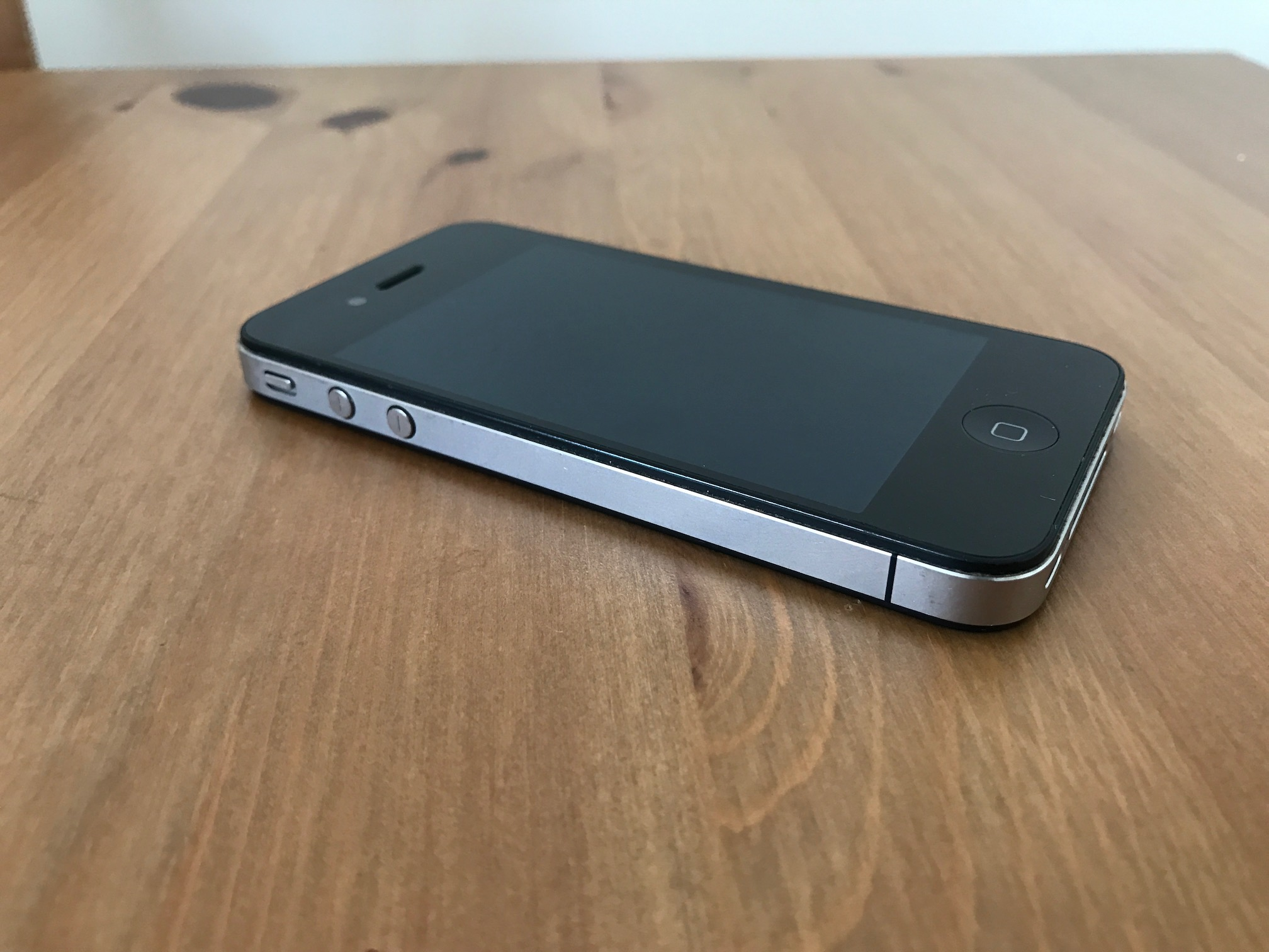 iphone-4-gsm-a.JPG