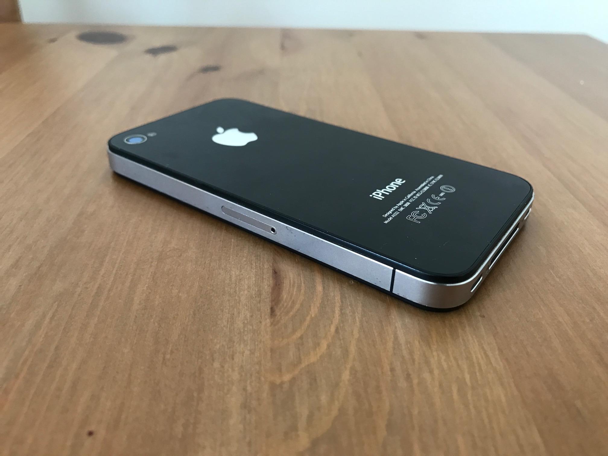 iphone-4-gsm-b.JPG