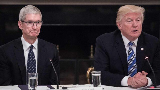 Apple Tim Cook ve Donald Trump