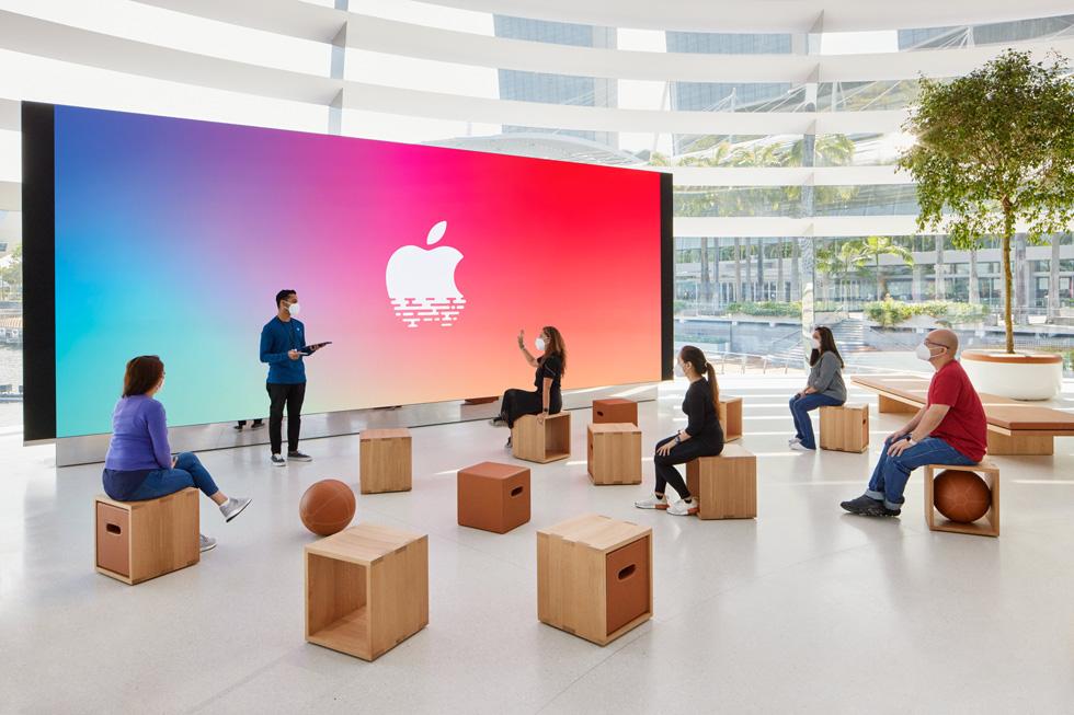 ilk yüzen apple mağazası
