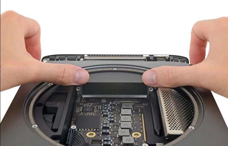 Yeni Mac Mini parçalarına ayrıldı
